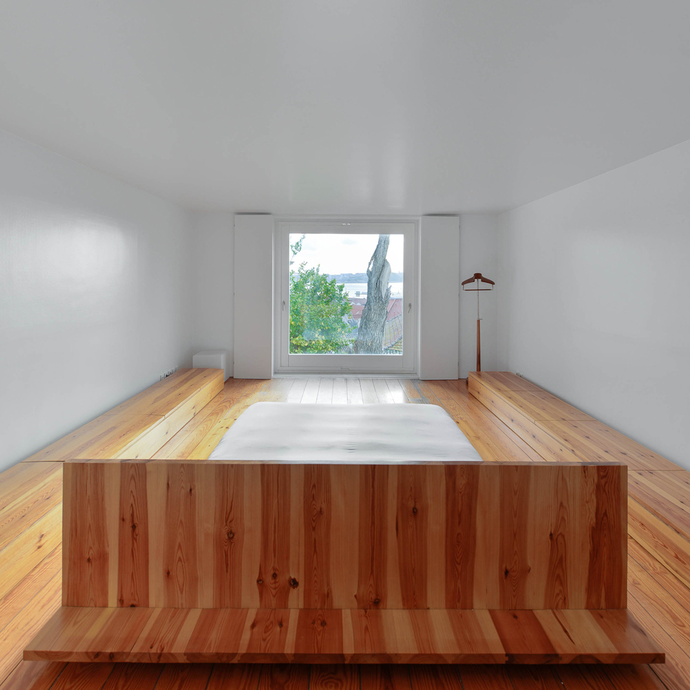 Oracle-Fox-Sunday-Sanctuary-Industrial-Interior-Concrete-Wood-Minimal-24
