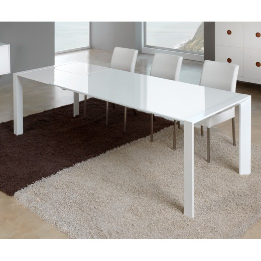 Mesa de comedor diseño extensible blanca con sobre de cristal